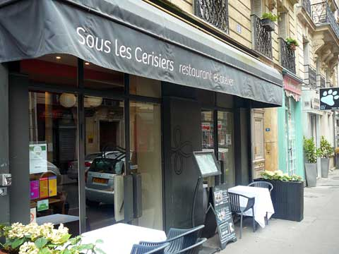 Restaurant Sous les Cerisiers, Paris