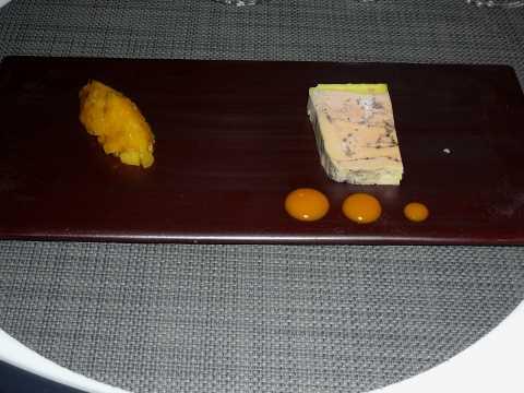 Marbré de foie gras au poivre, chutney exotique