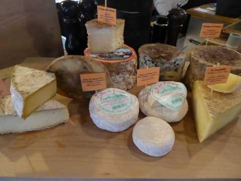 Les fromages du restaurant Anicia à Paris